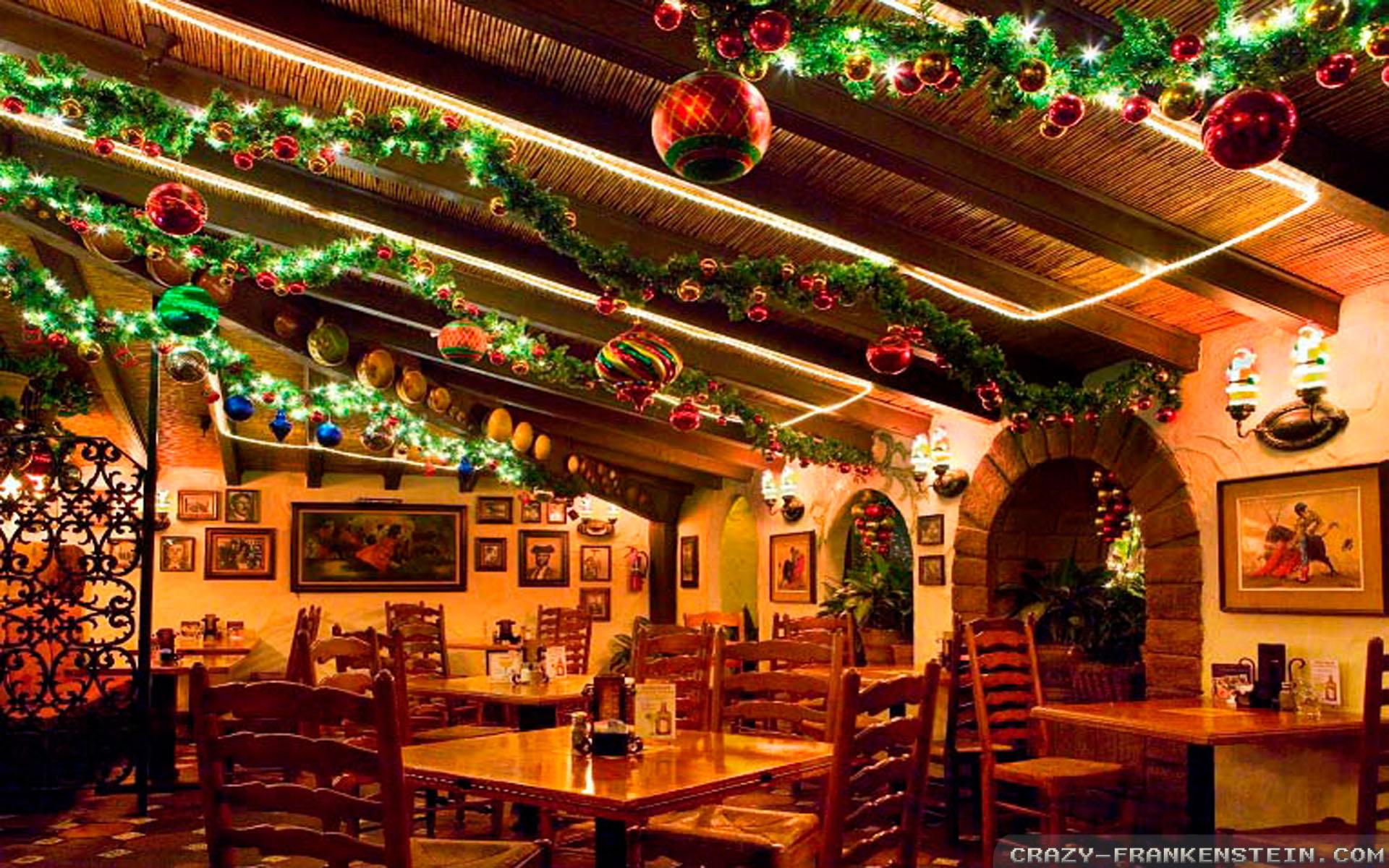 Christmas Bar Decorations Ideas