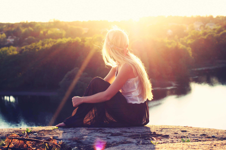 Alone And Sad Girl - HD Wallpaper