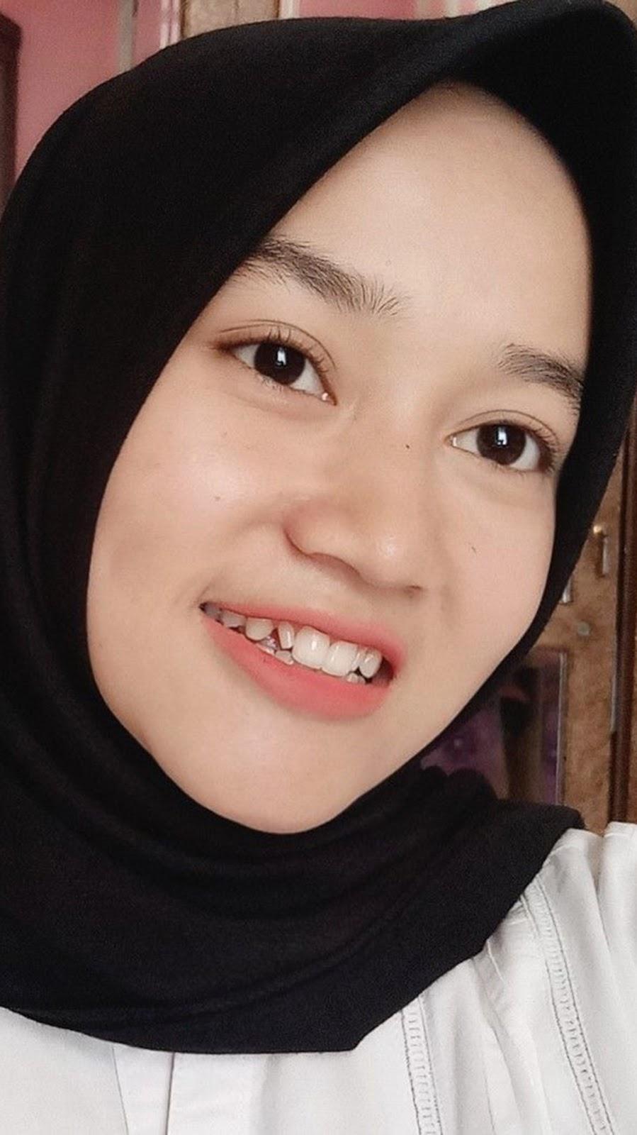 Cewek Manis Pakai Jilbab Manis Pakai Hijab - Cewek Cantik Hijab - 899x1600  Wallpaper - Teahub.io