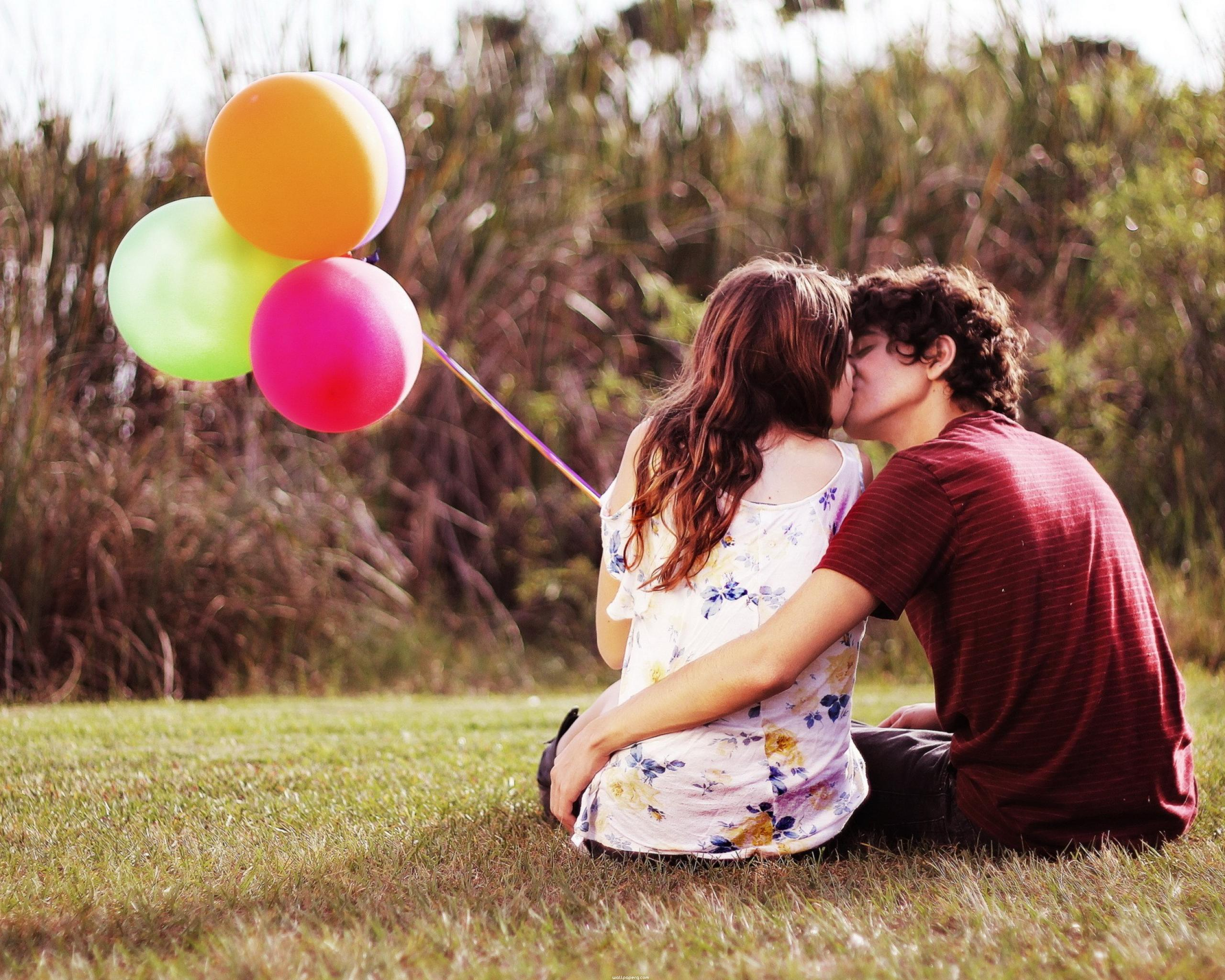 Download Sweet Love Couple Kissing Alone - Love Photo Girl And Boy Sad - HD Wallpaper