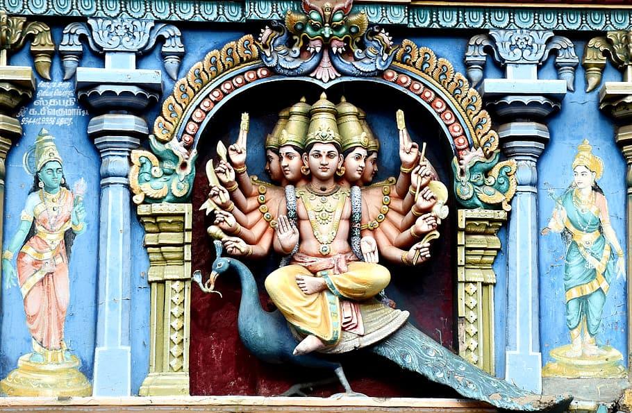 Indian God Altar, Madurai, Meenakshi Amman Temple, - 6 Padai Murugan - HD Wallpaper