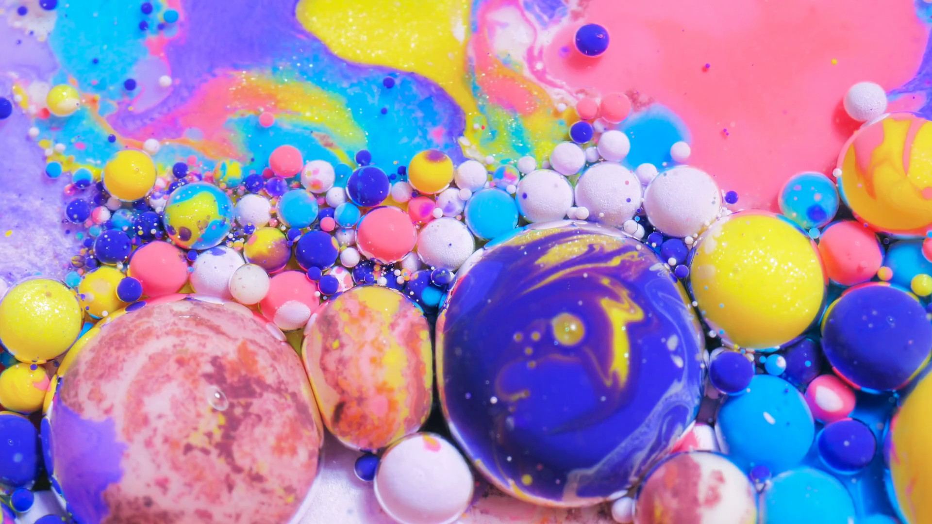 Colorful Bubbles Texture Bubble Bursting 4k Vibrant - Colorful Moving Bubbles Background - HD Wallpaper