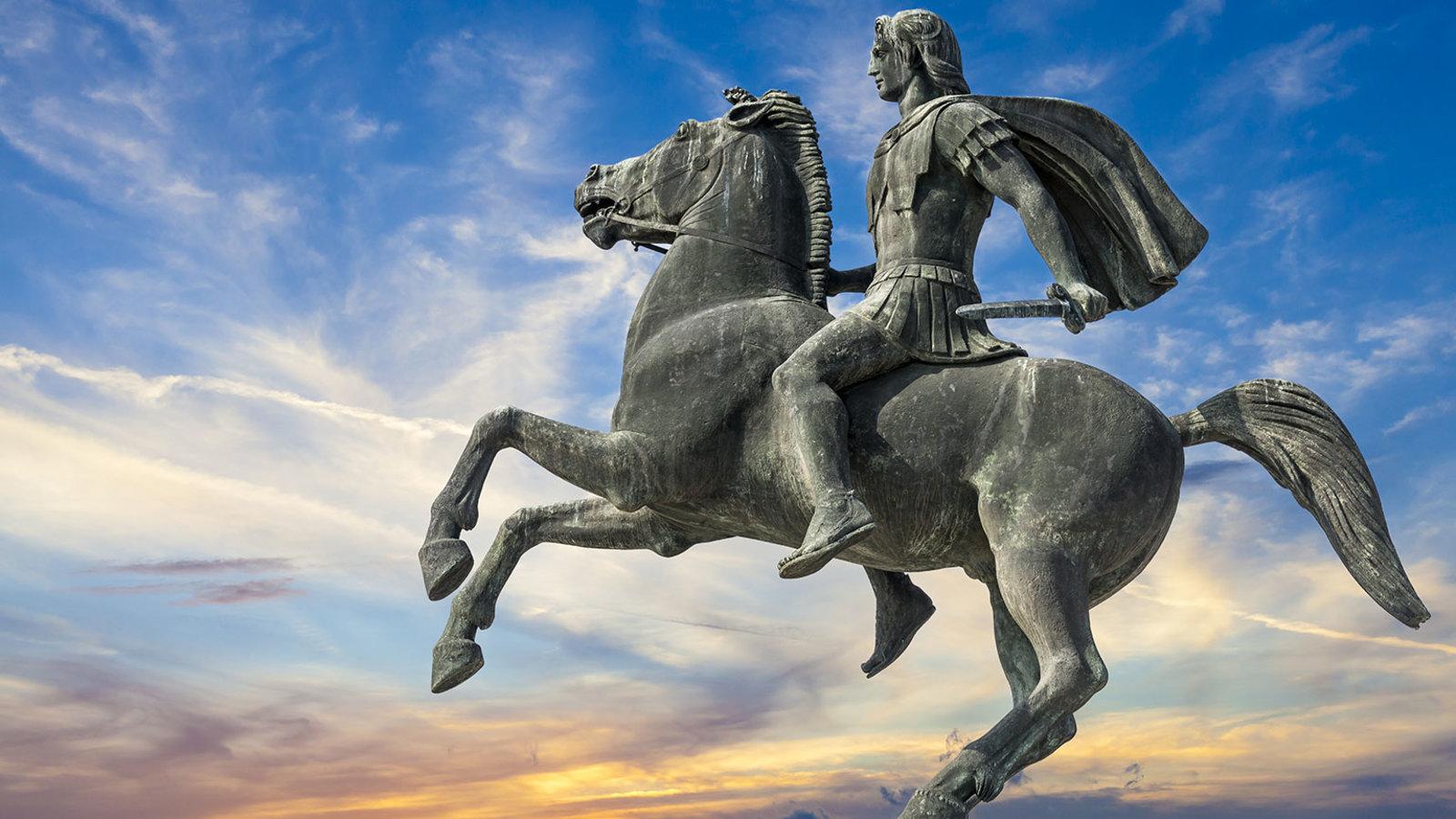 Alexander The Great Statue - HD Wallpaper