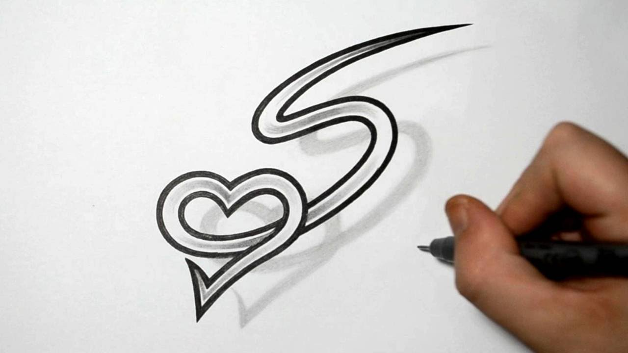 S Letter With Heart Tattoo Design - HD Wallpaper