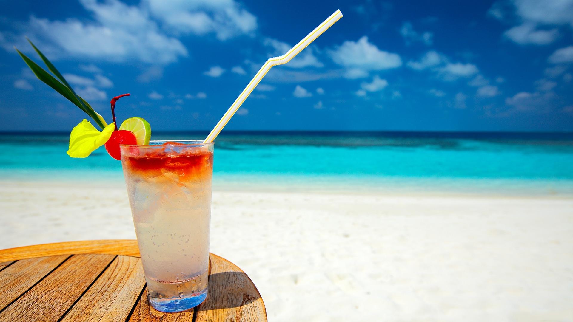 Hd Summer Desktop Backgrounds Pixelstalk  Ideas About - Cold Drinks On The Beach - HD Wallpaper