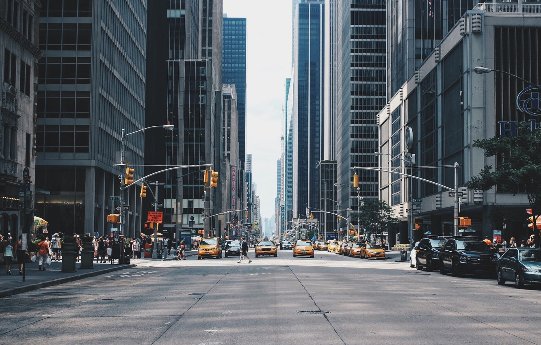 Photo Wallpaper Usa United States New York Manhattan New York City Streets Background 1332x850 Wallpaper Teahub Io