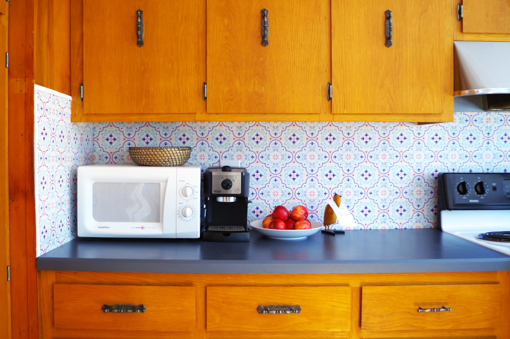 Temporary Backsplash Using Renters Wallpaper Countertop 1024x682 Wallpaper Teahub Io