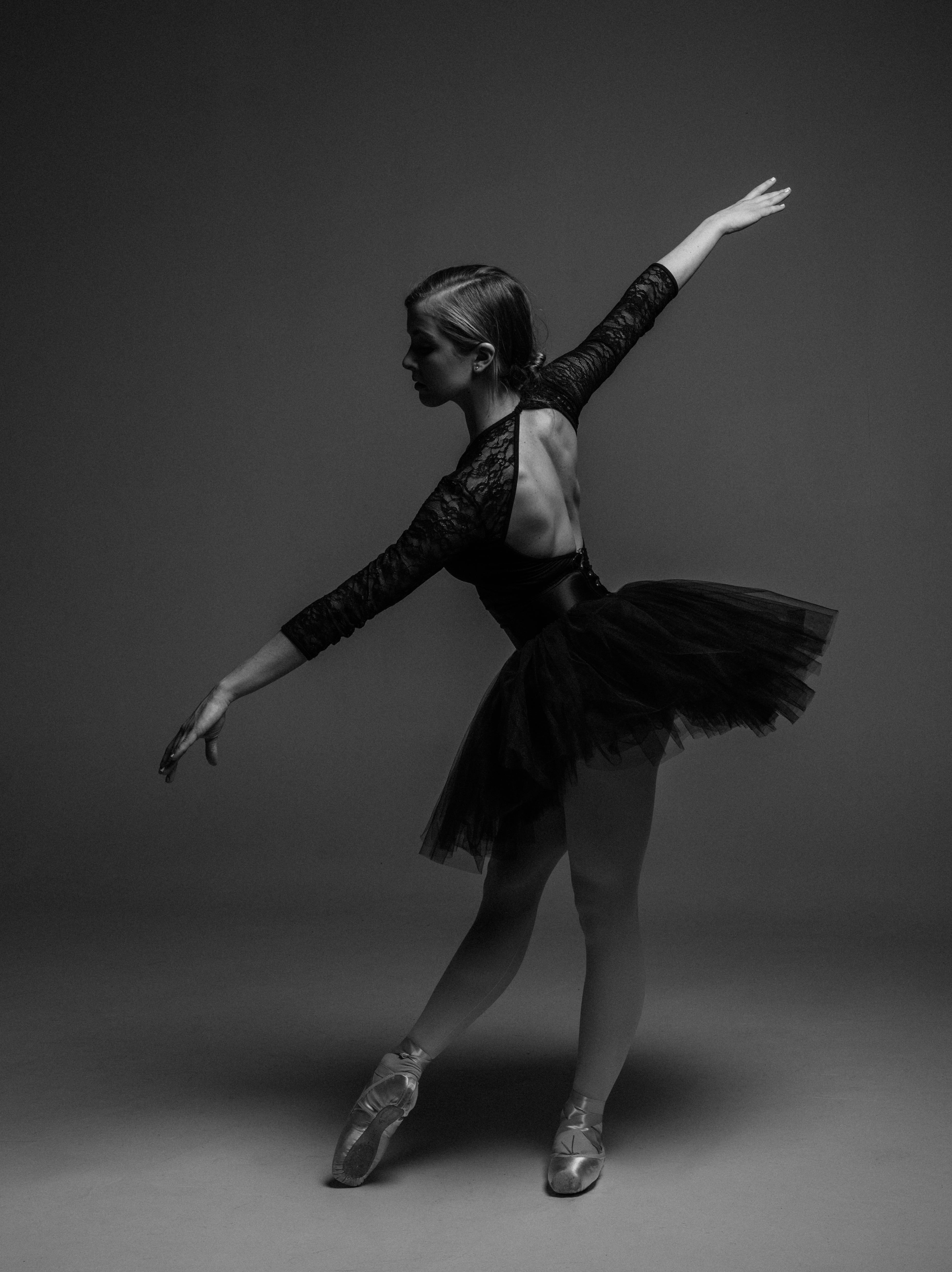 Ballet Photos Black And White 3913x5228 Wallpaper Teahub Io