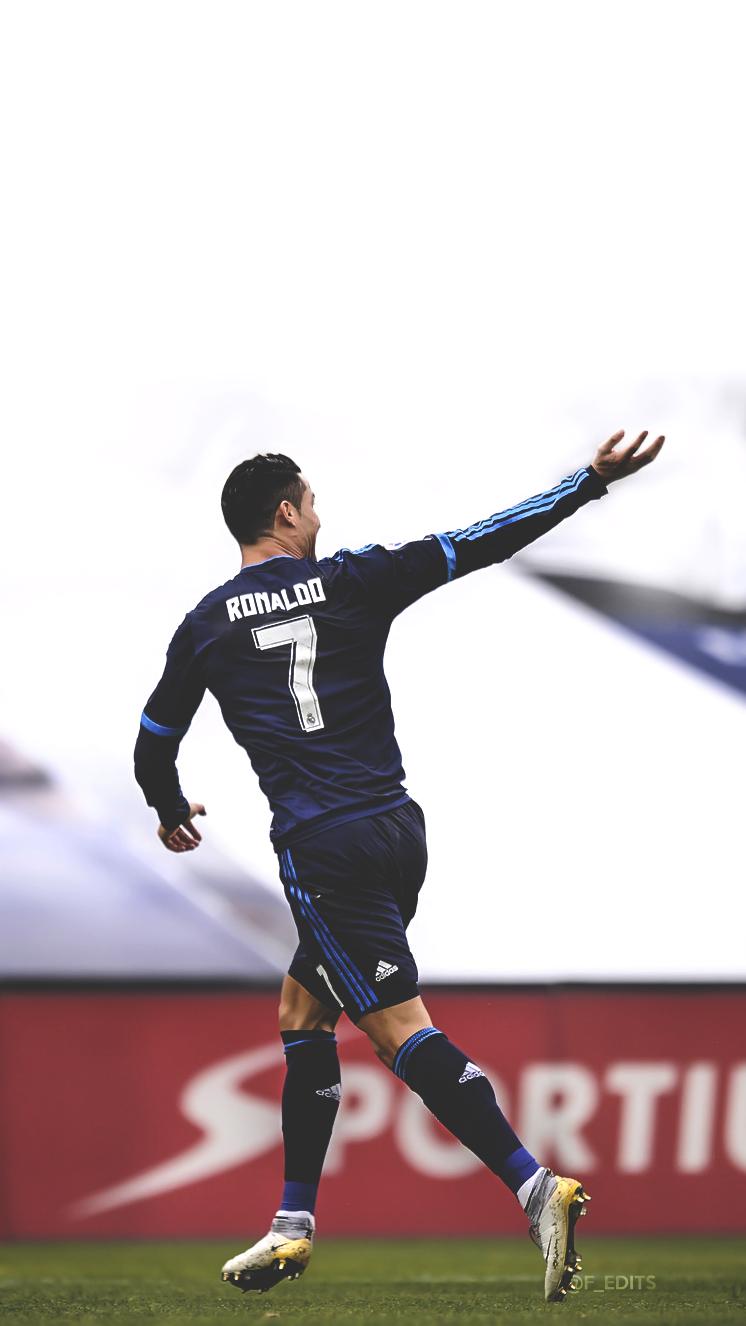 Cristiano Ronaldo Iphone Wallpaper Cristiano Ronaldo 746x1326 Wallpaper Teahub Io