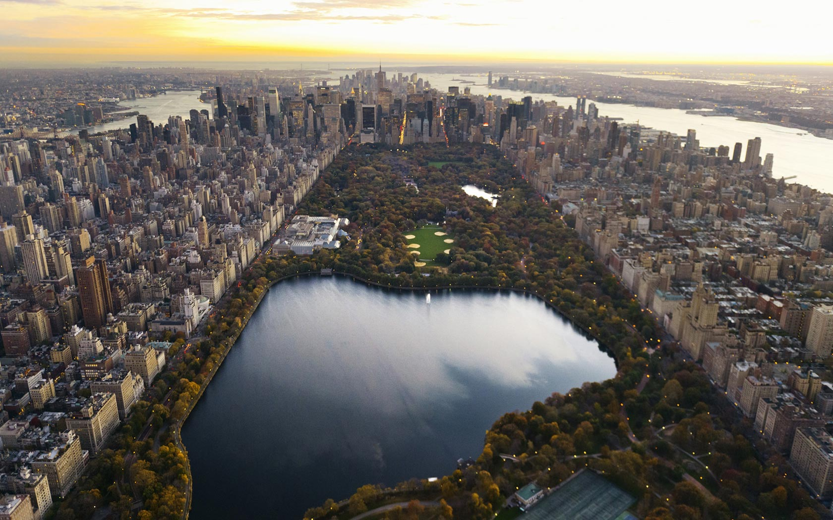 Hd Background Central Park New York City Lake Skyscrapers - New York Central Park 4k - HD Wallpaper