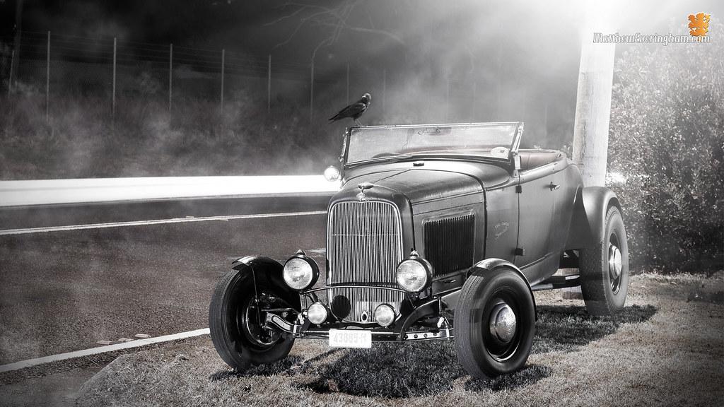 Antique Car - HD Wallpaper