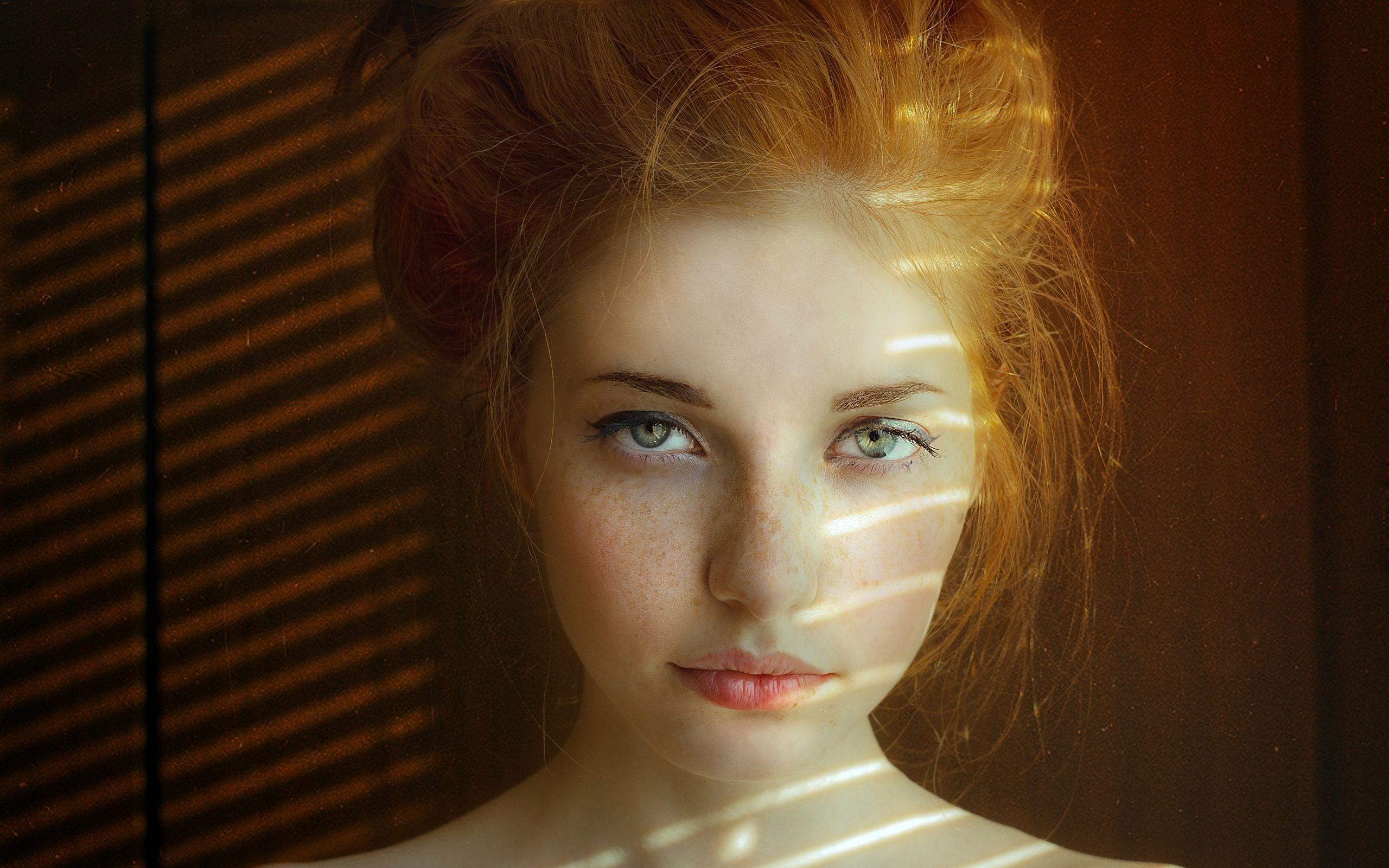 Free Beautiful Redhead Girl With Blue Eyes Computer Red Hair Green Eyes Natural 2560x1600 Wallpaper Teahub Io