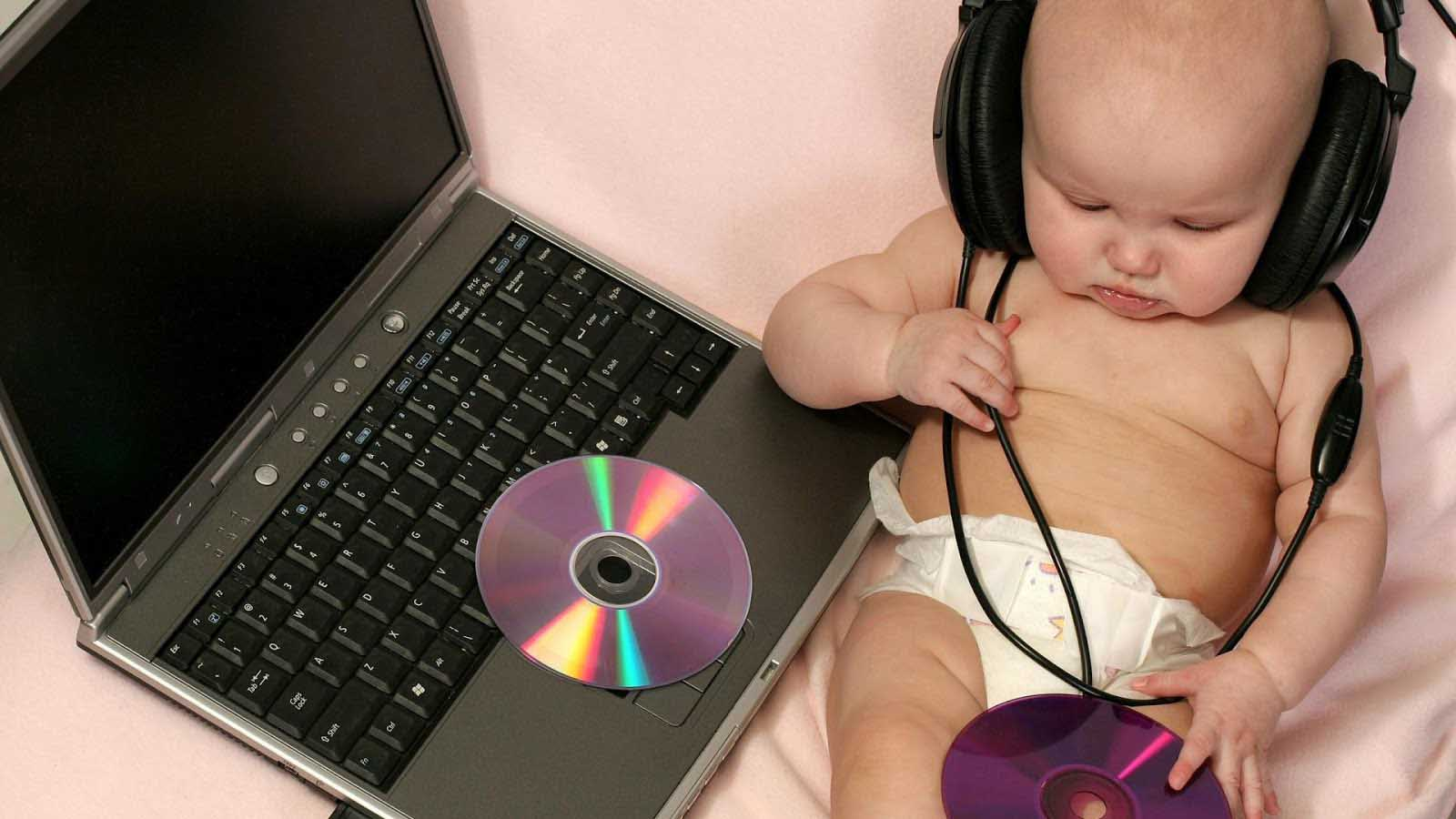 Baby Pictures Hd Wallpapers Free Download Baby Hd Wallpaper For Laptop 1600x900 Wallpaper Teahub Io