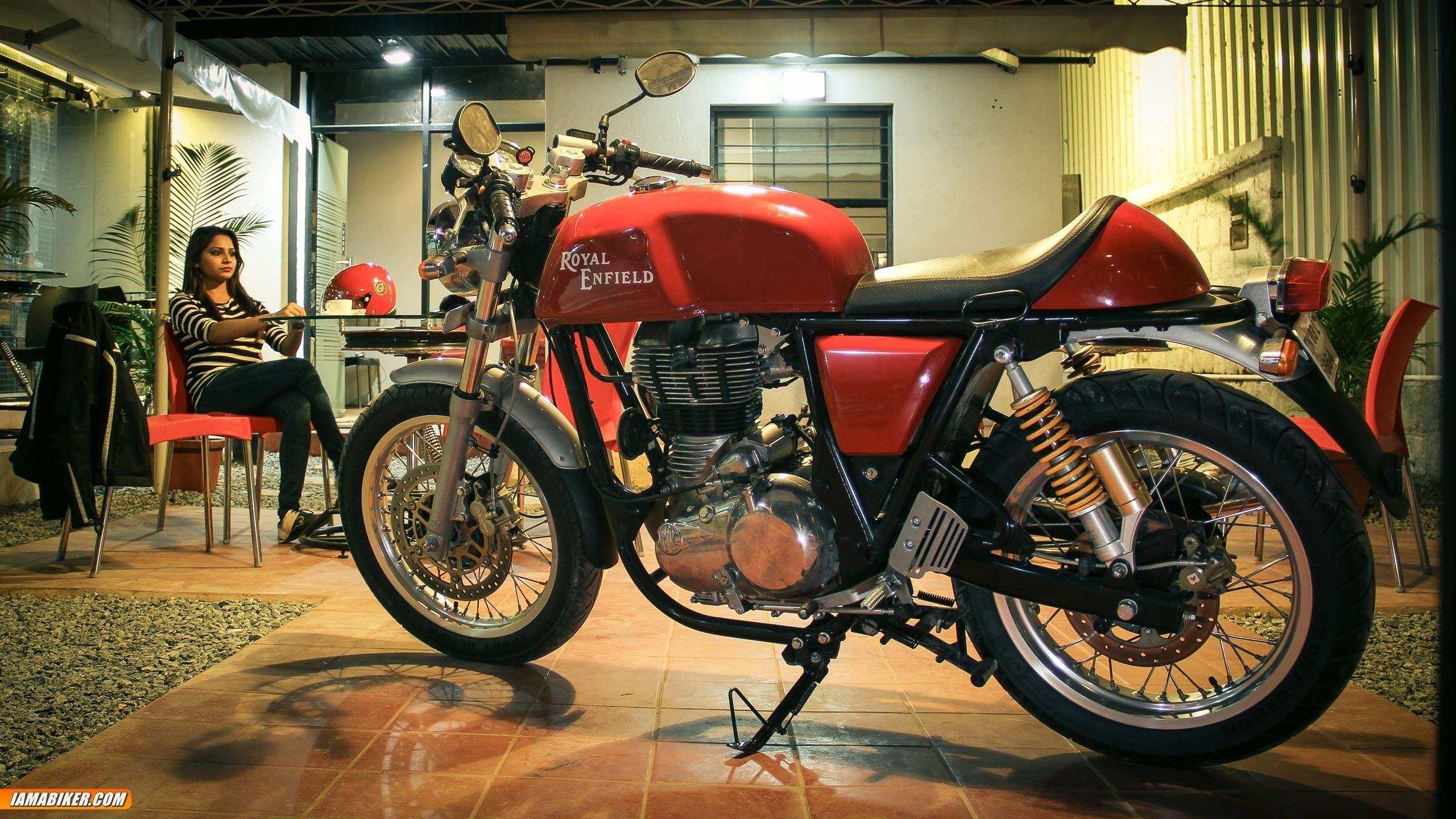 Royal Enfield Continental Gt Hd Wallpapers 01 Data Royal Enfield Continental Image Hd 2560x1440 Wallpaper Teahub Io