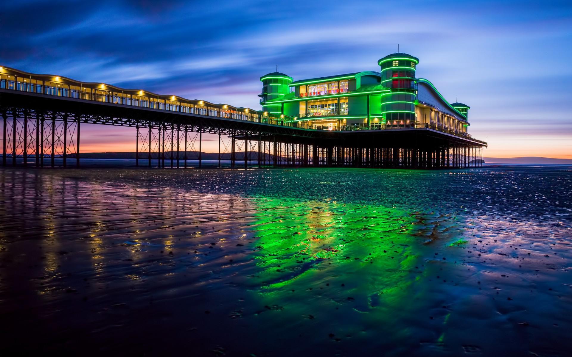 Uk England Beach Bay Sea Pier Lights Evening Sunset - England Beaches At Night - HD Wallpaper