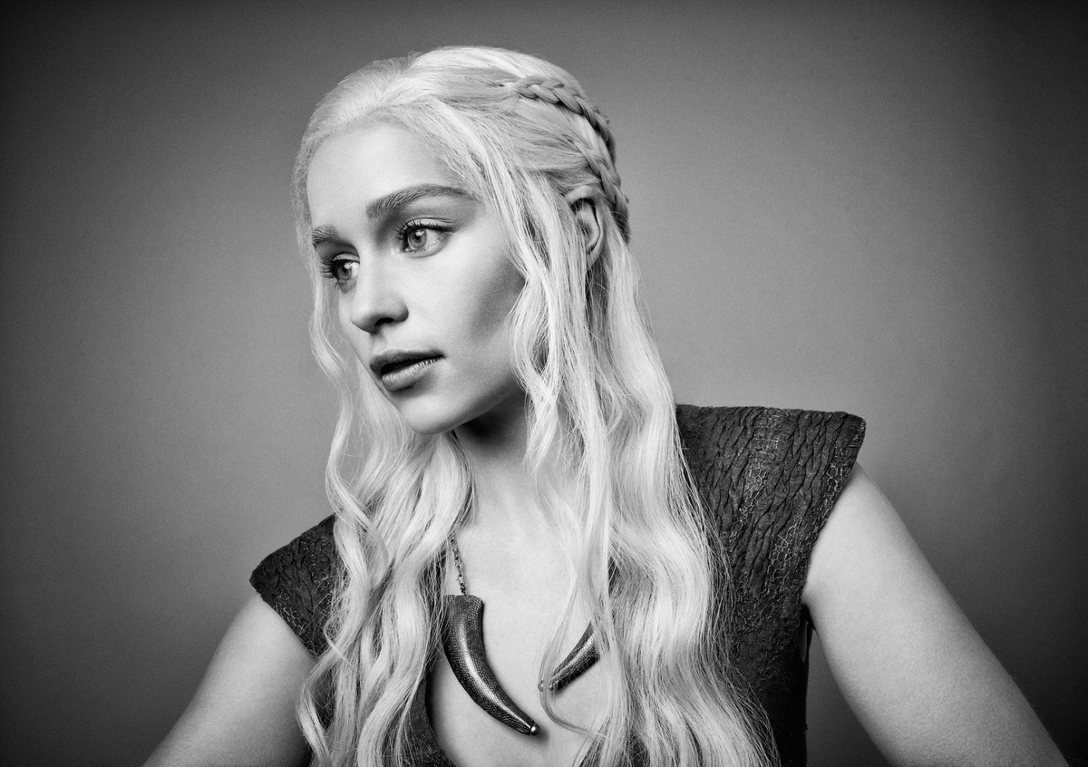 Daenerys Targaryen Wallpaler, Game Of Thrones Wallpaper - Emilia Clarke Game Of Thrones Portrait - HD Wallpaper