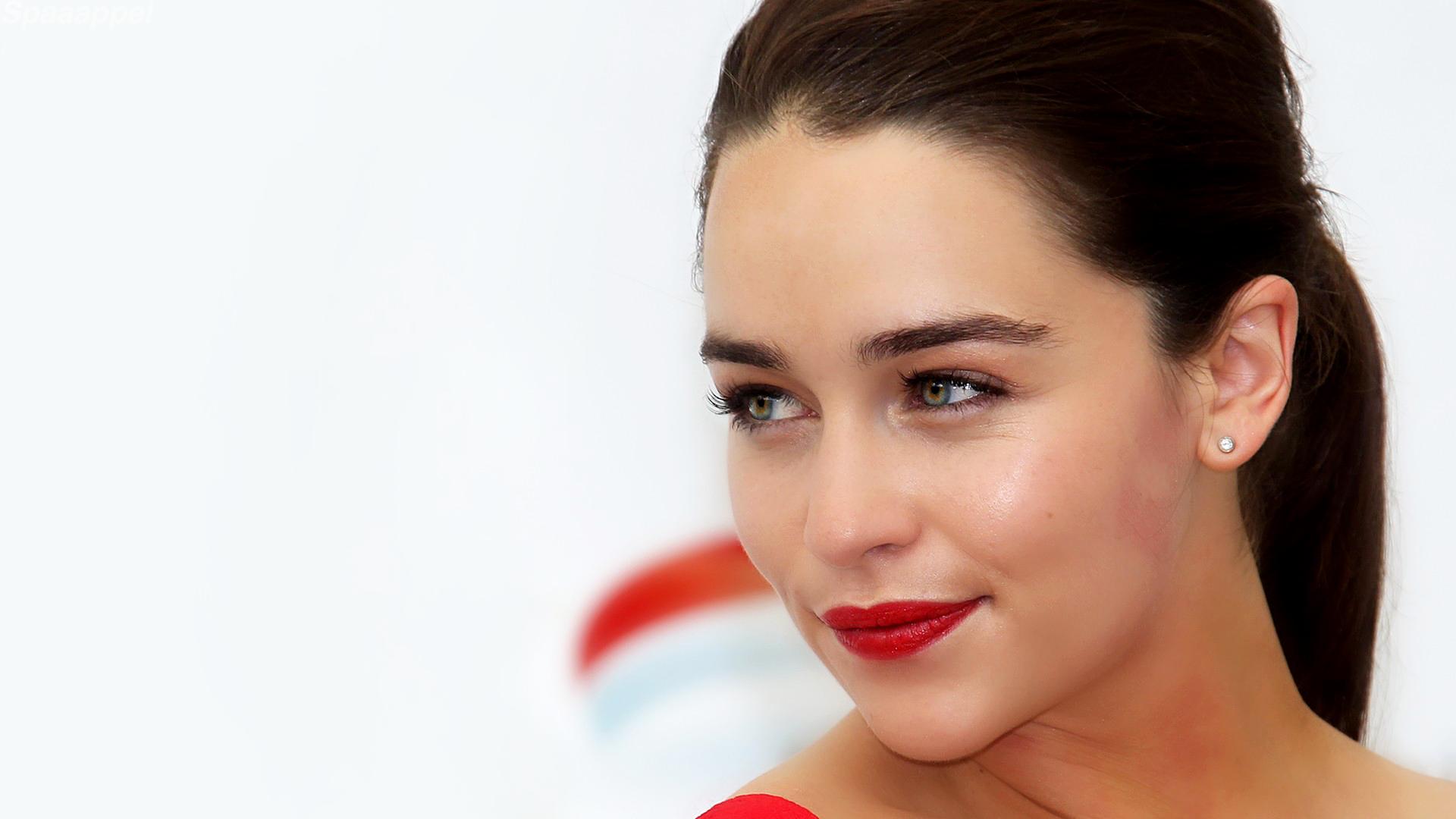 Sexy emilia clarke Emilia Clarke