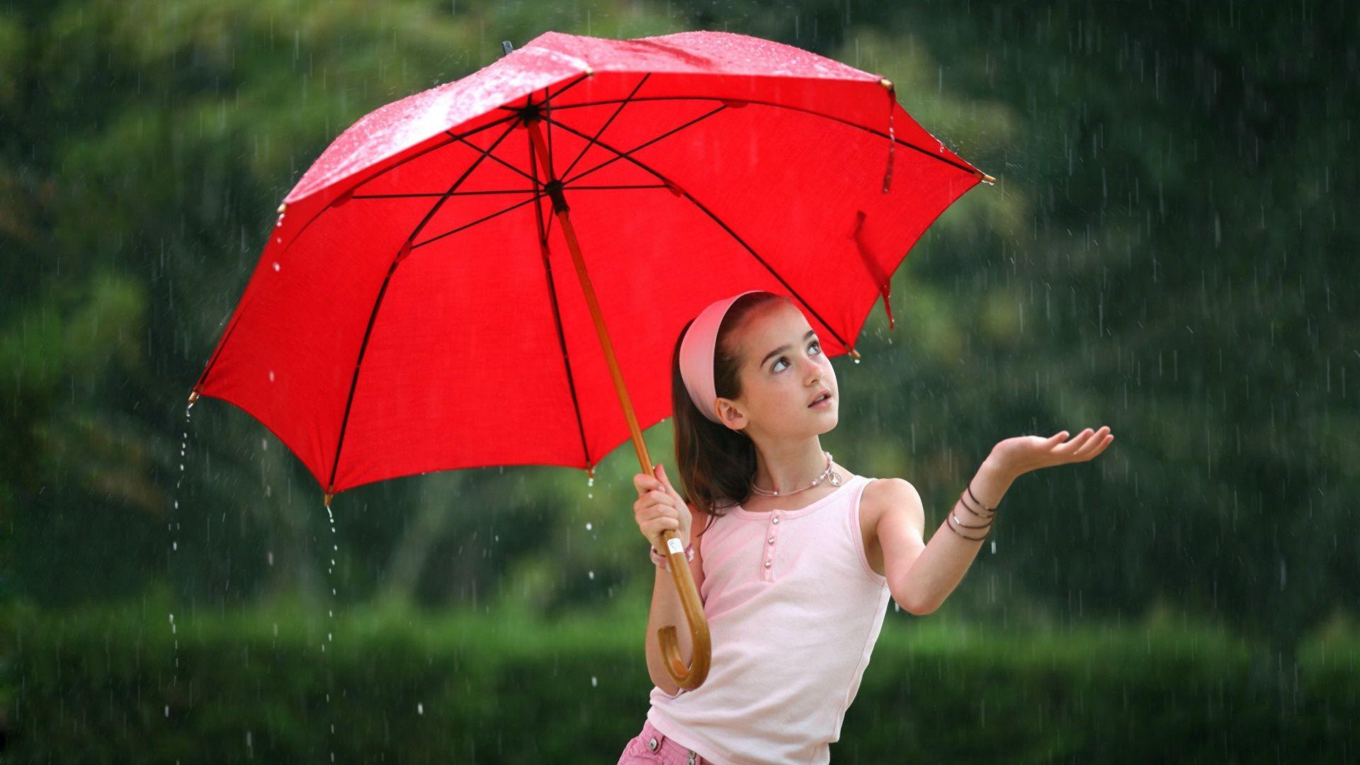 Children Umbrella Girl Rain Woman Outdoors Nature Summer - Baby With Umbrella In Rain - HD Wallpaper