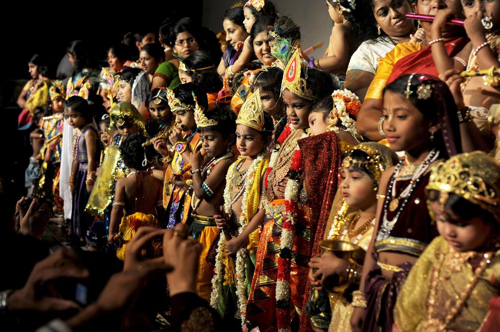 Indian Gods Costume - HD Wallpaper