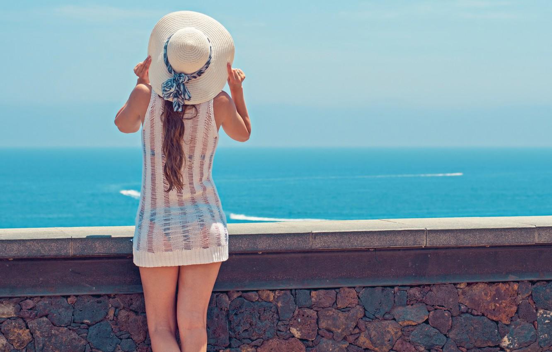 Photo Wallpaper Girl, Wall, Summer, Sky, Hat, Beach - Back Beautiful Girl - HD Wallpaper