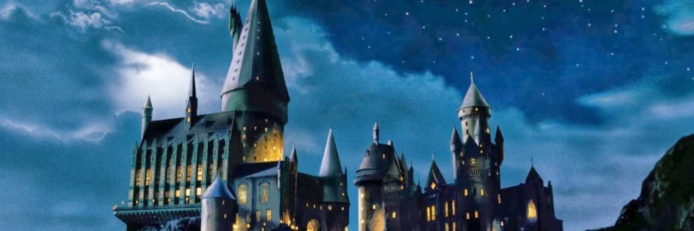 Harry Potter Wallpaper Hogwarts Wallpapers001 - Quidditch Hogwarts Castle Harry Potter - HD Wallpaper