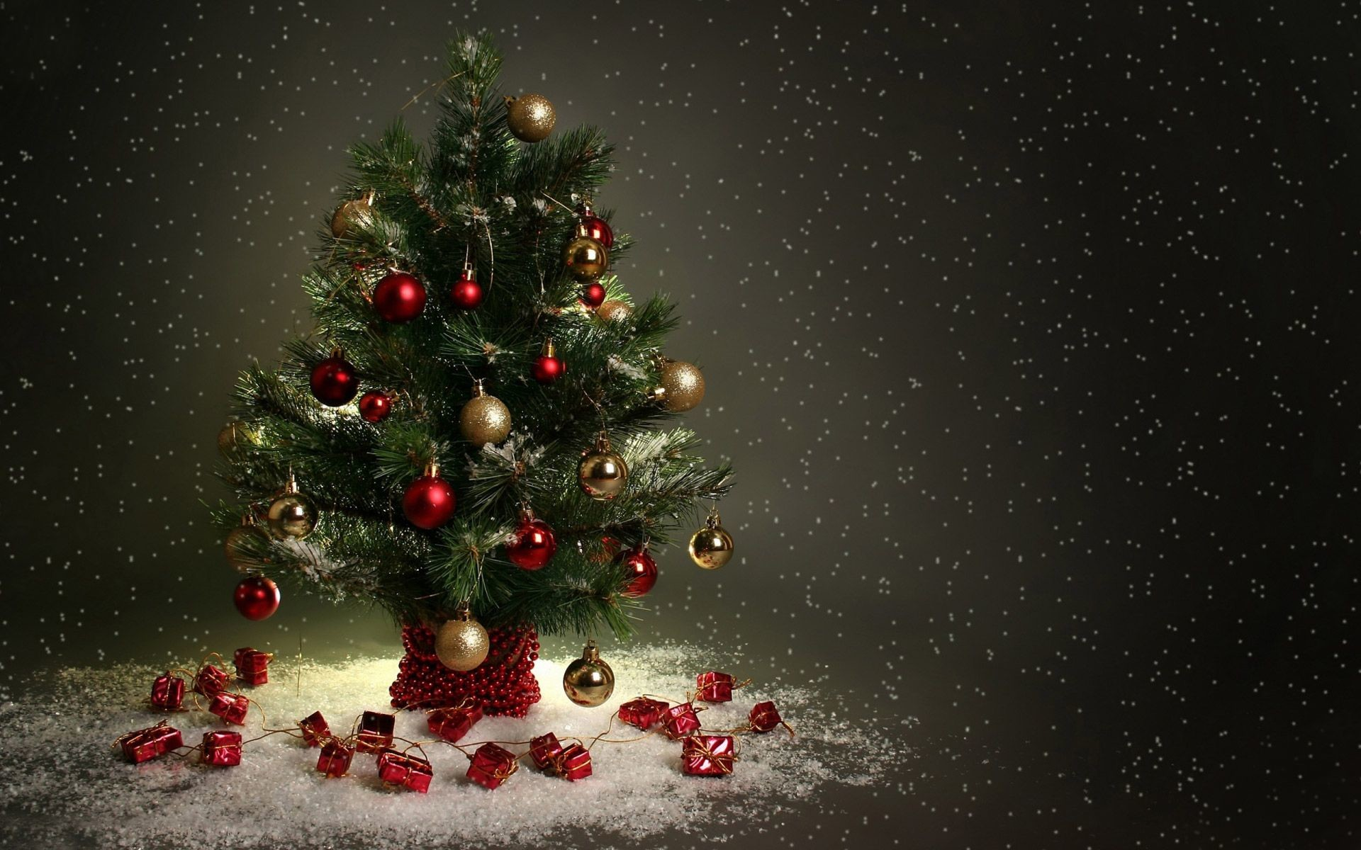 Beautiful Christmas Tree Hd Wallpapers, Free Download - Merry Christmas Tree Hd - HD Wallpaper