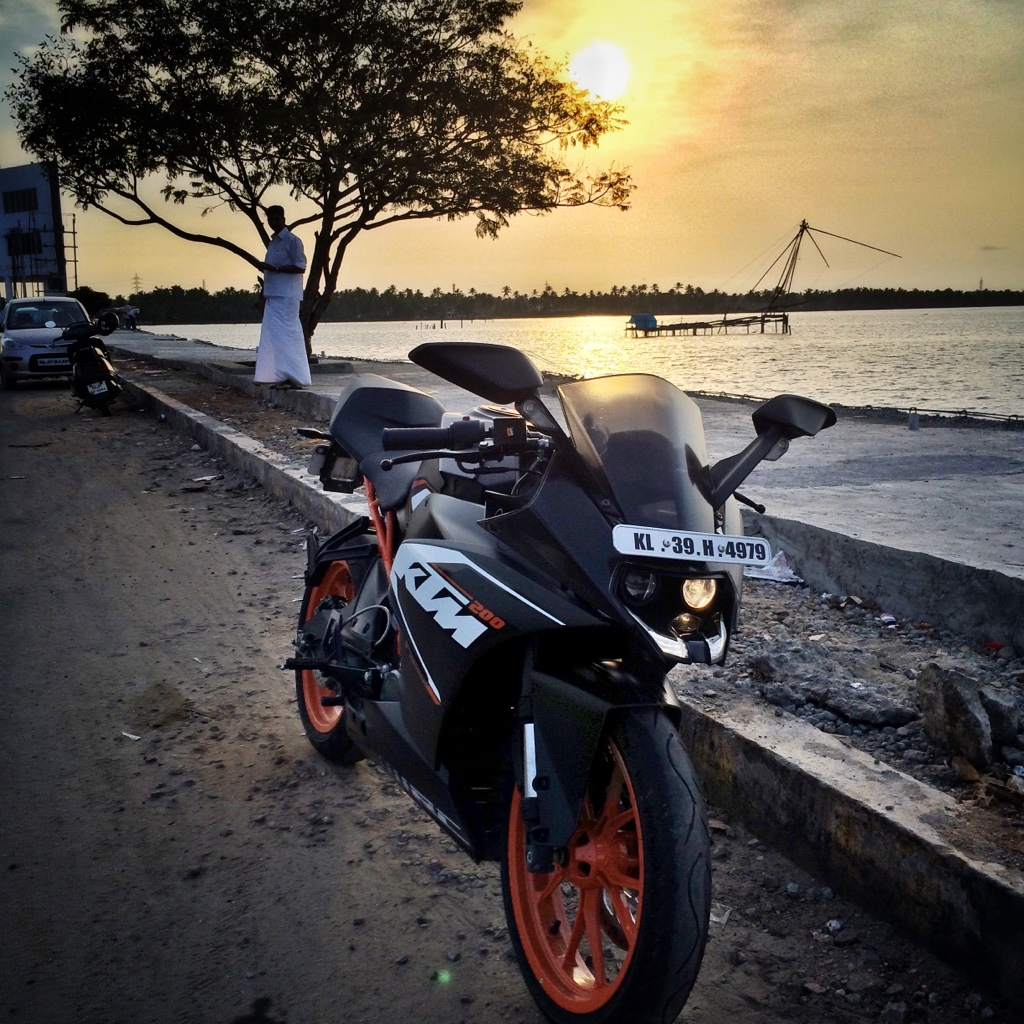 Ktm Rc 200 Hd Wallpapers For Mobile 1024x1024 Wallpaper Teahub Io
