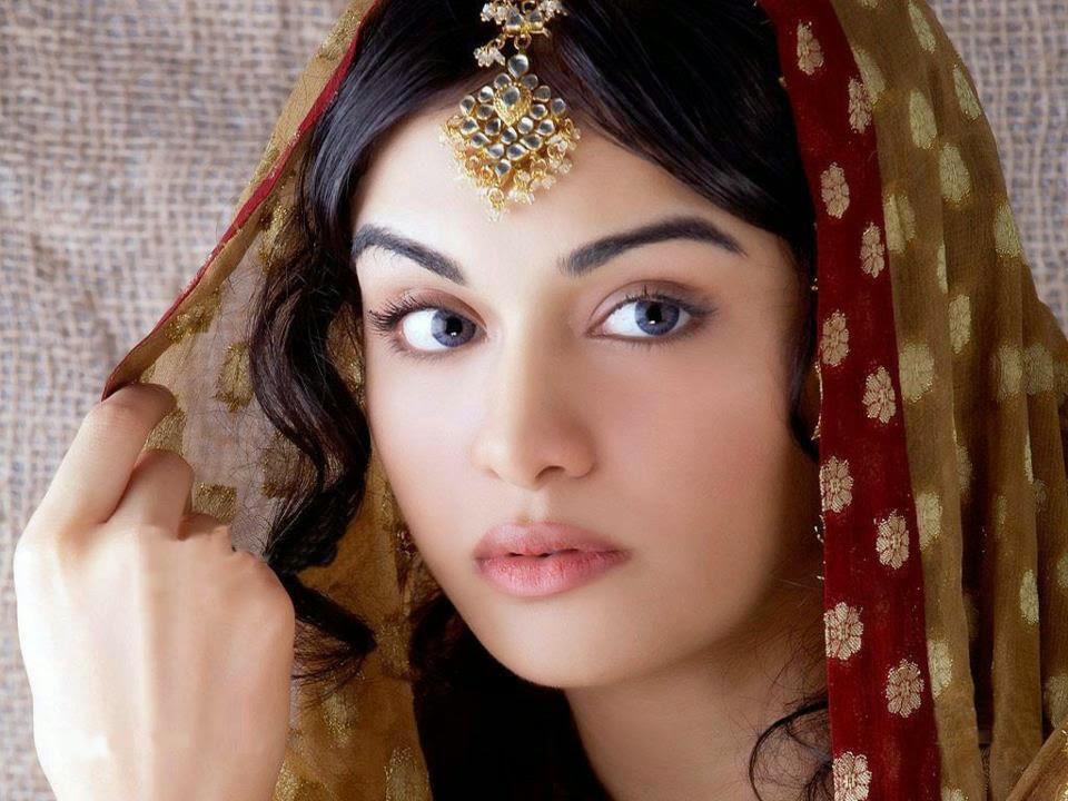 Pakistani Girls Wallpapers - Top 10 Beautiful Muslim Girls In The World - HD Wallpaper