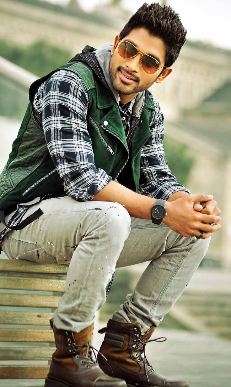 Hero Wallpaper Hd Download - Allu Arjun South Actor - HD Wallpaper