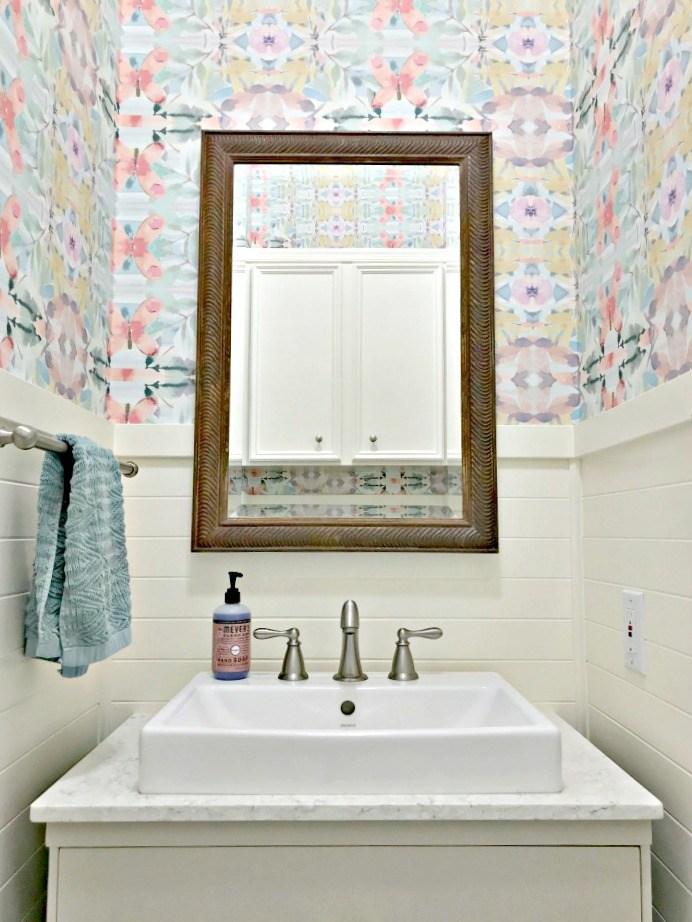 Small Modern Farmhouse Powder Room 10 1 - Small Bathroom Sink Ideas - HD Wallpaper