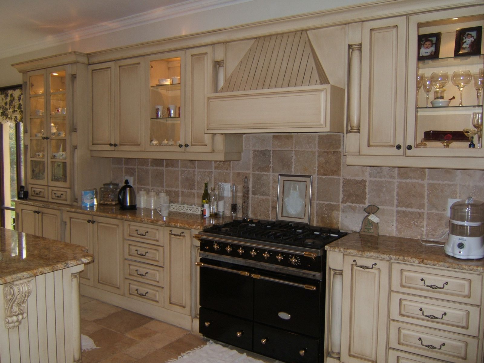 Kitchen Cabinet Wall Tiles 1600x1200 Wallpaper Teahub Io