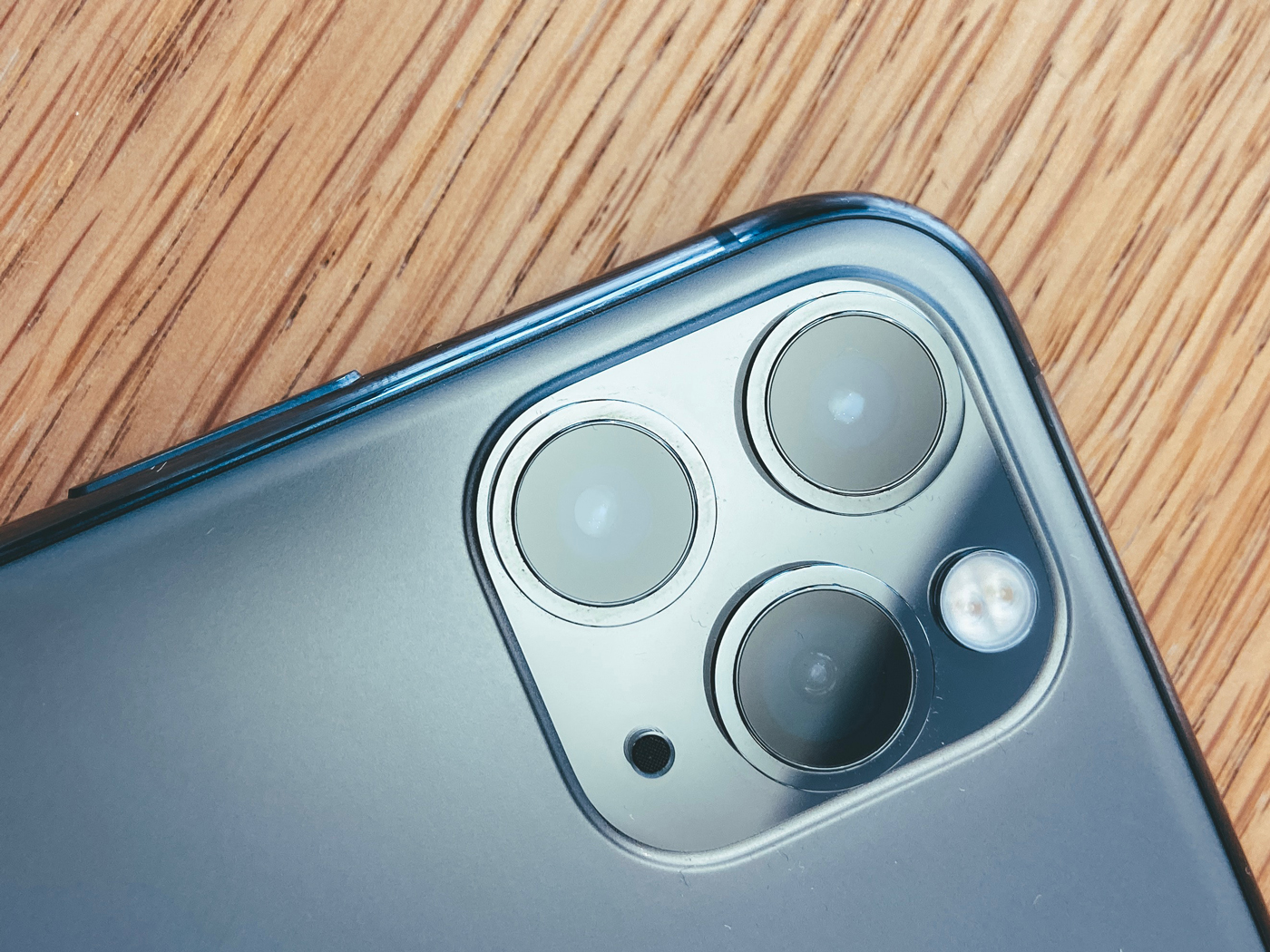 The Rear Camera Of An Iphone 11 Pro - Apple Iphone 11 - HD Wallpaper