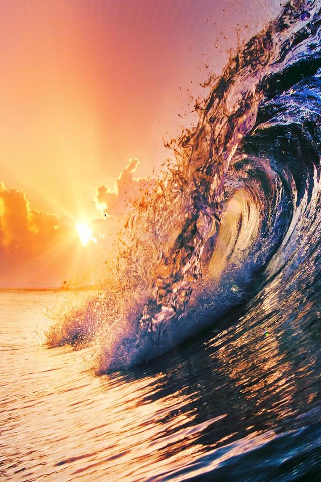 Surging Wave Under Sunrise Iphone 4s Wallpaper - Cool Wave Wallpaper Iphone - HD Wallpaper