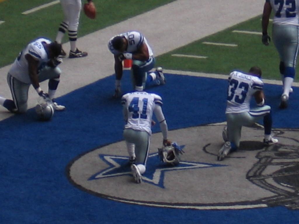 Dallas Cowboys Wallpaper Hd Wallpaper - Dallas Cowboys Players - HD Wallpaper