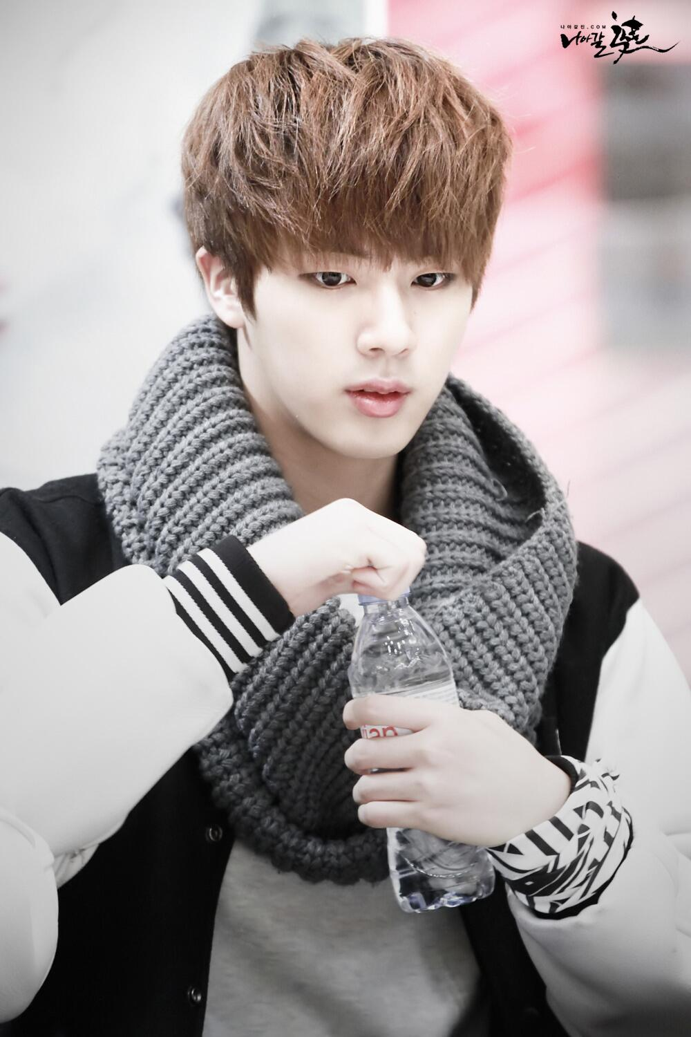 223 2238700 iphone bts jin