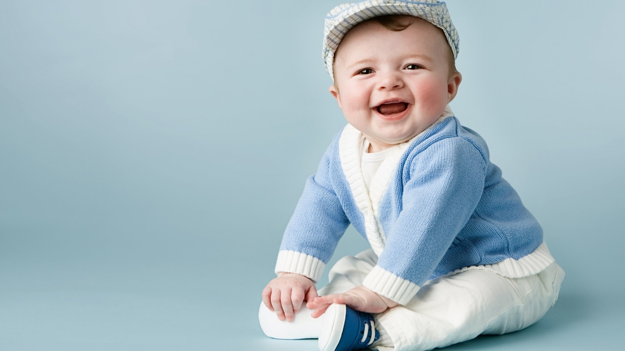 Cute Baby Boys Wallpapers Hd Pictures One Hd Wallpaper Cute Baby Boy 2560x1440 Wallpaper Teahub Io