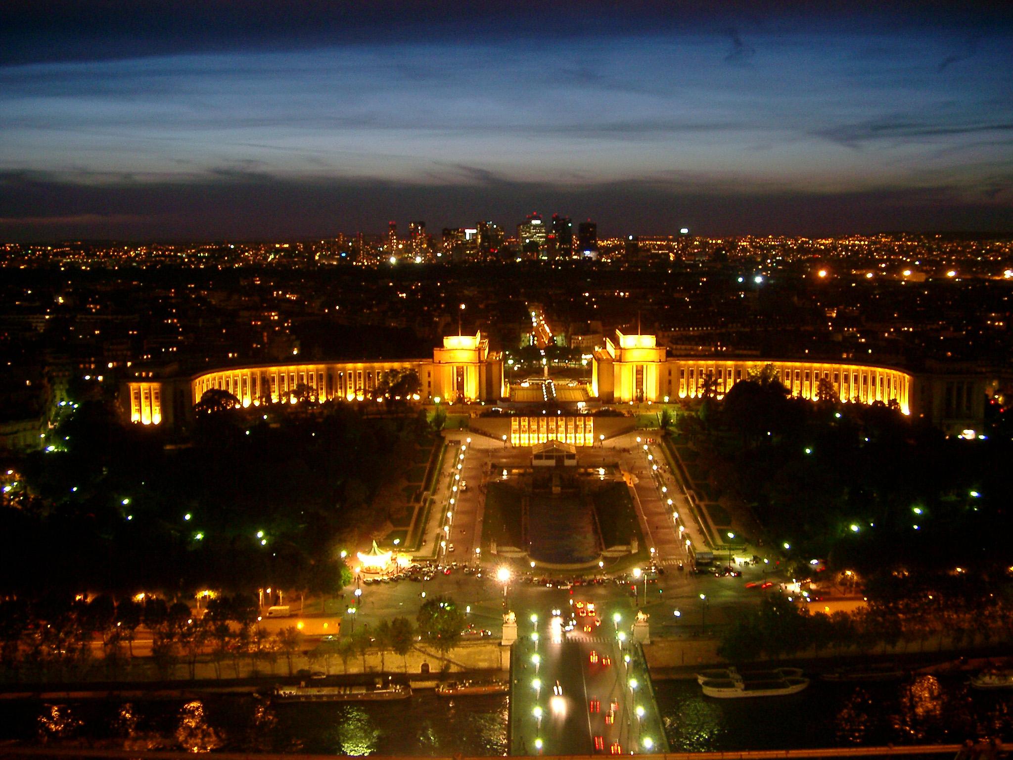 View Of Paris Cityscape Lights And Palais Chailot At Paris Eiffel 2048x1536 Wallpaper Teahub Io