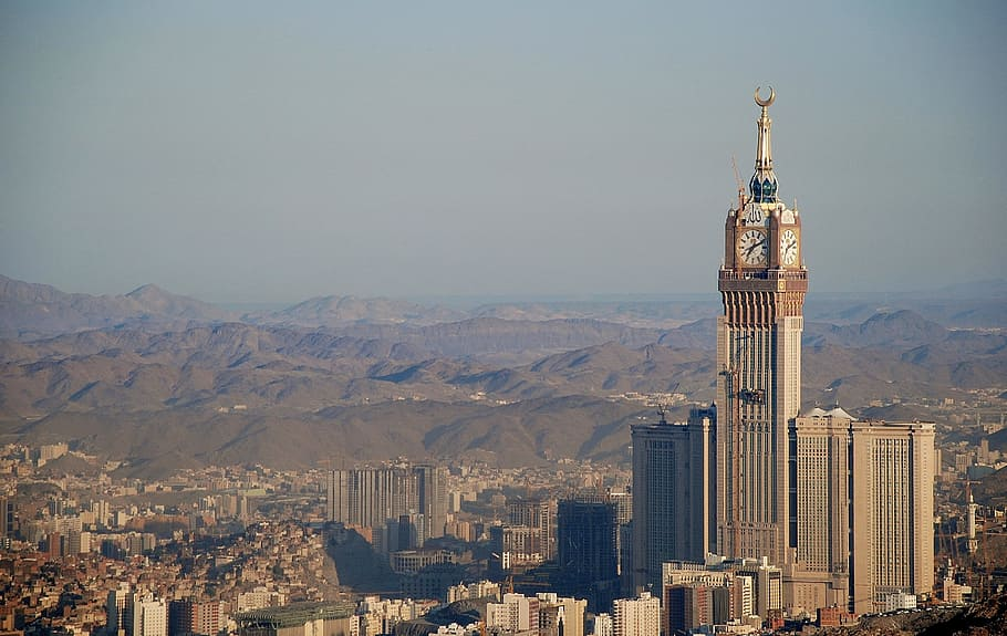 Aerial Photo Of Building With Clock Tower Mecca Saudi 910x575 Wallpaper Teahub Io