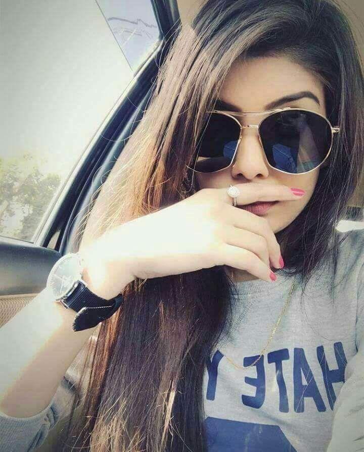 Facebook profile girl pic