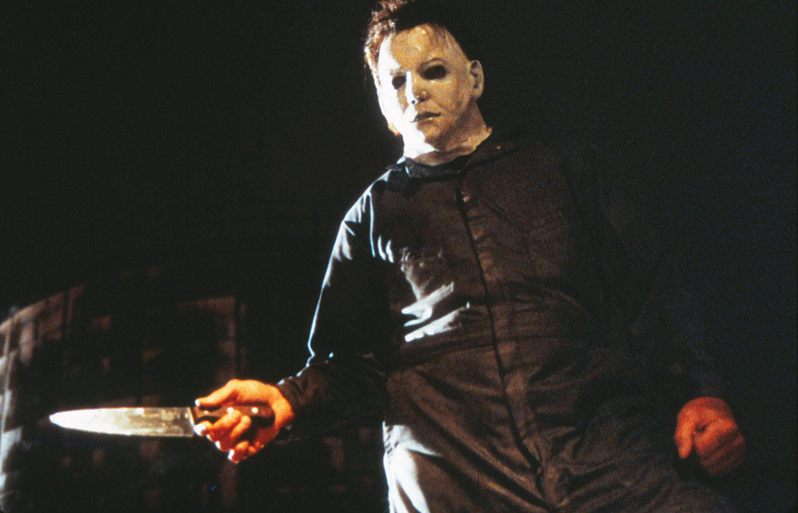 The Curse Of Michael Myers Backgrounds Compatible Fall Of The Slasher 1600x1028 Wallpaper Teahub Io