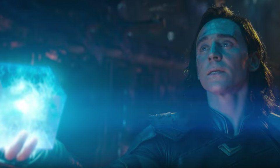 Loki Tesserract Avengers Infinity War Thanos Death - Loki Dying In Infinity War - HD Wallpaper