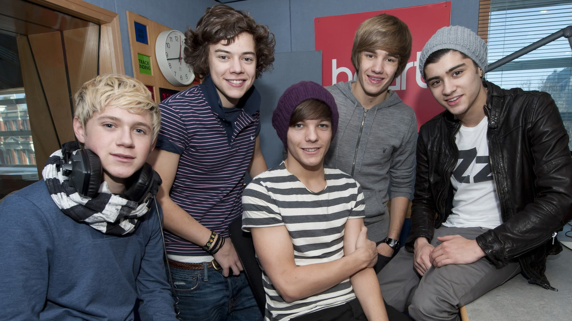 Download 1080p One Direction Pc Wallpaper Id - One Direction Wallpaper Phone - HD Wallpaper