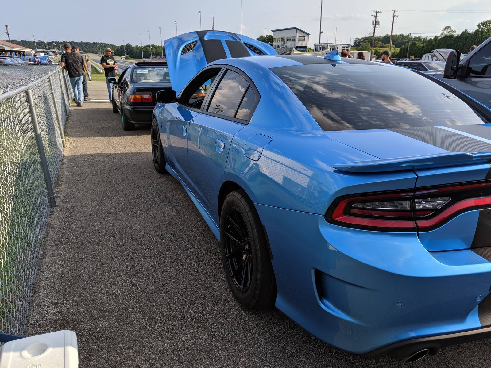 2019 B5 Blue Dodge Charger Hellcat Hellcat Picture 2019 Dodge Charger Hellcat Blue 1600x1200 Wallpaper Teahub Io
