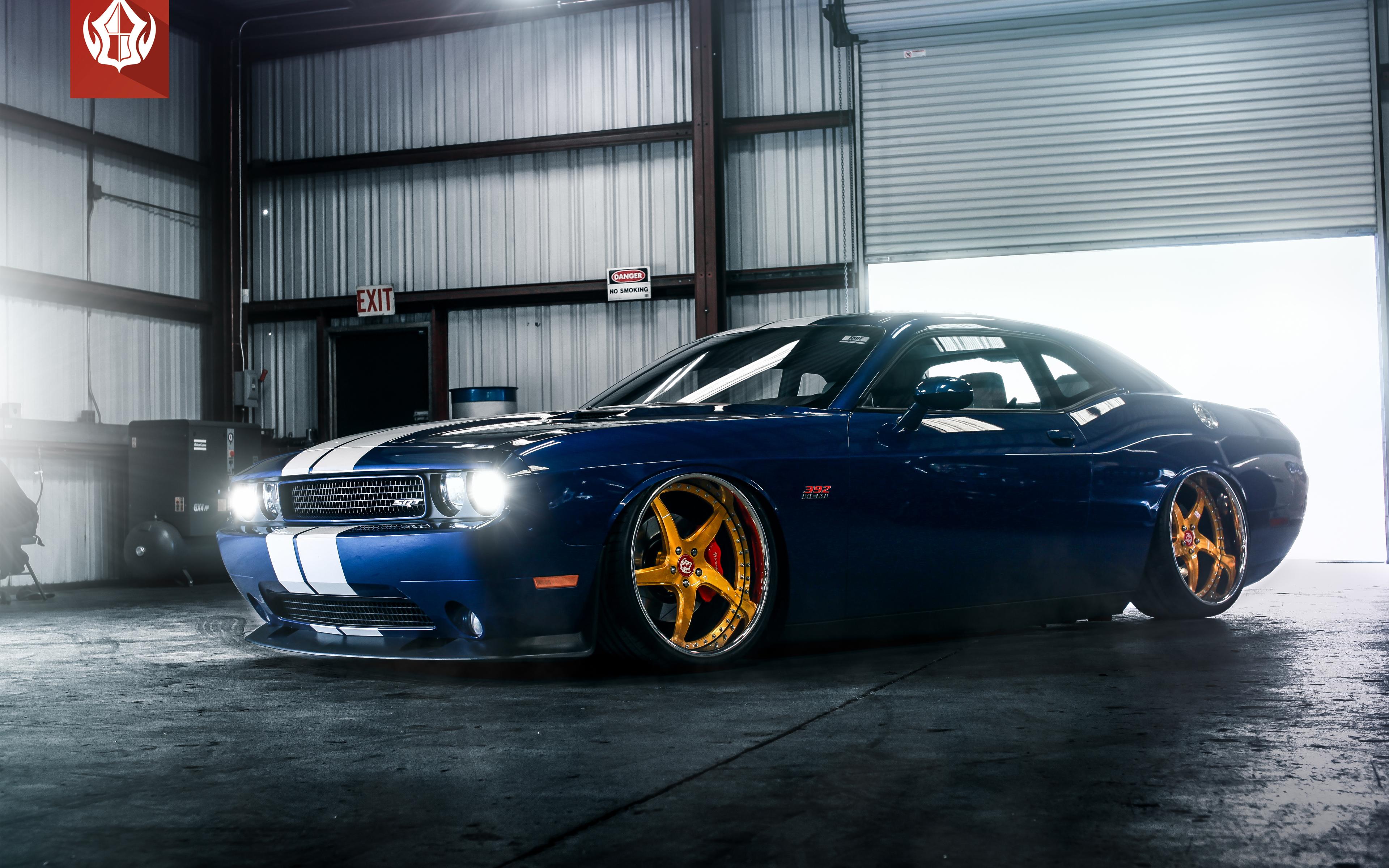 Dodge Challenger Srt 392 4k Wallpapers Challenger With Gold Rims 3840x2400 Wallpaper Teahub Io