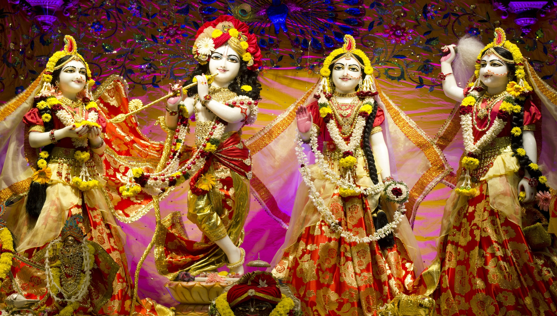 Lord Krishna And Radha In Iskcon Temple At Chennai - Iskcon Temple Lord Krishna - HD Wallpaper