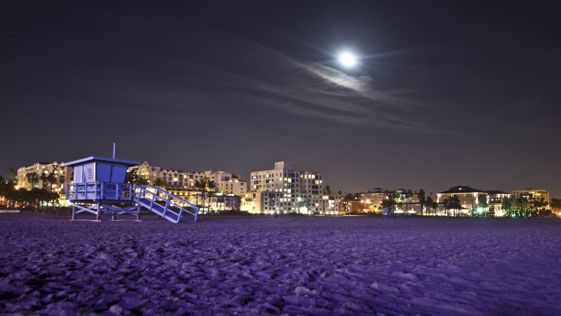 Moon Santa Monica Beach Purple Purplse City Night Lifeguard - California Night - HD Wallpaper