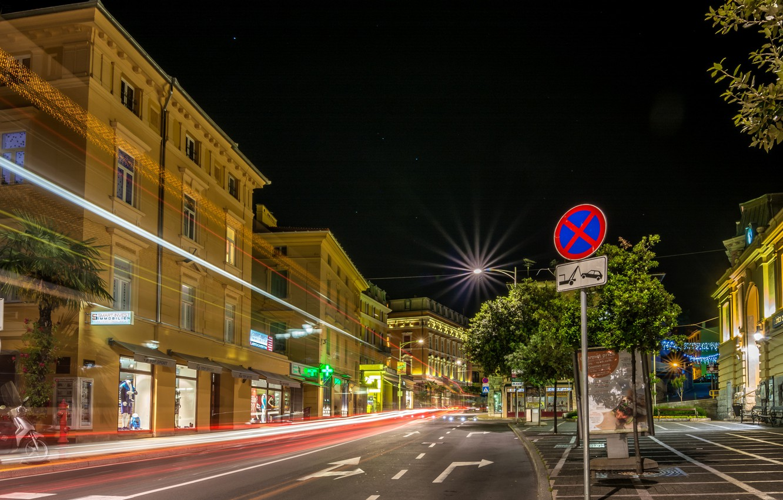 Photo Wallpaper Road, Night, Street, Home, Excerpt, - Opatija Street Night - HD Wallpaper