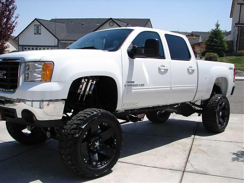 White Lifted Chevy Trucks - 315 50 24 Tires Truck - 800x600 Wallpaper -  teahub.io