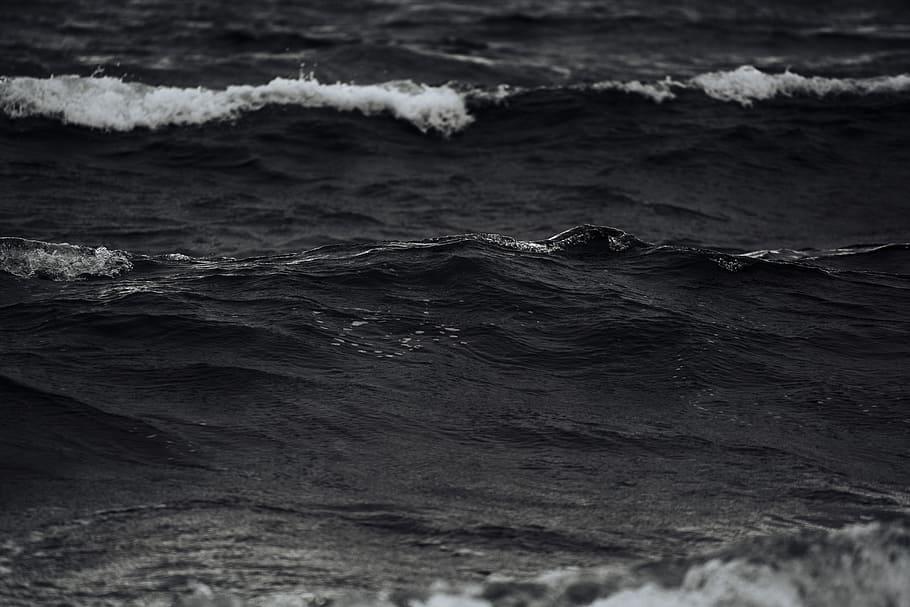 Grayscale Photo Of Ocean Waves, Wallpaper, Desktop - Black And White Ocean - HD Wallpaper