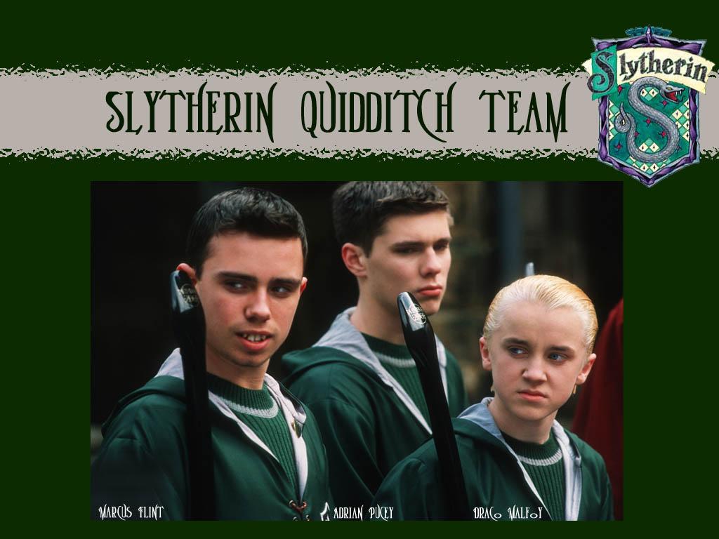 Slytherin Quidditch - Harry Potter Slytherin Boys - HD Wallpaper